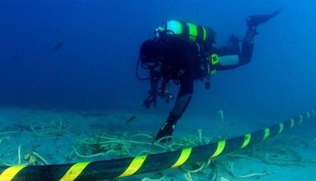Cáp AAG vừa khắc phục, cáp biển AAE-1 lại gặp sự cố: Quá là đen cho anh em