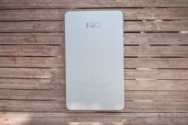 Mặt sau Máy nghe nhạc MP3 Fiio X1